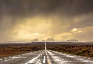 Strom In Monument Valley